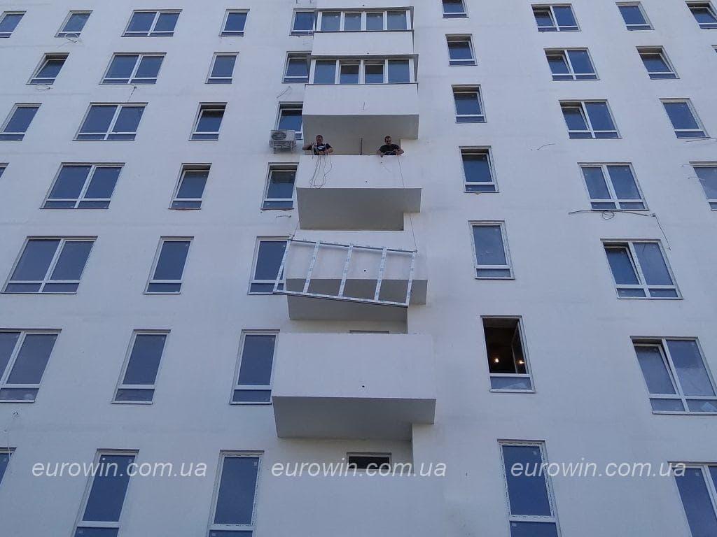 Установка рамы на балкон Харьков
